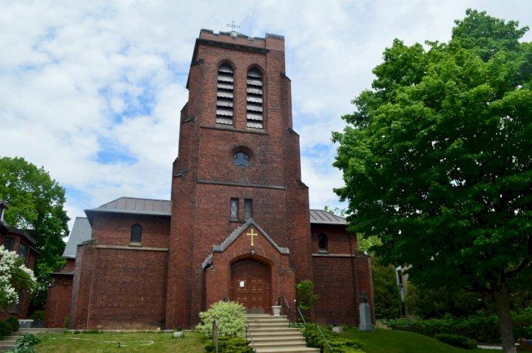 Црква Свете Тројице у Монтреалу