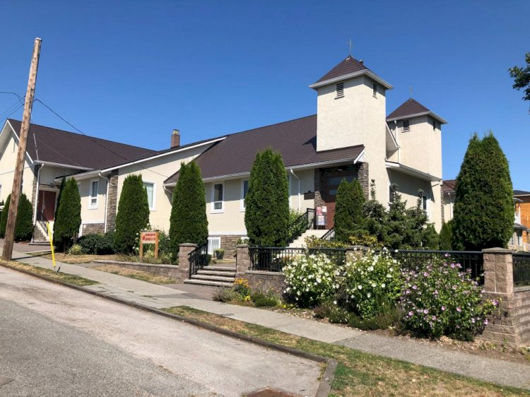 Црква Светог Саве у Ванкуверу